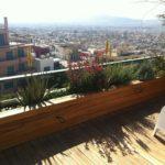 Iroko ξύλινο deck σε διαμέρισμα στο κέντρο της Αθήνας.