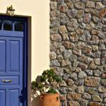 Πόρτα εισόδου ξύλο μπλε & λάκα