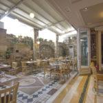 Ξύλινα συρόμενα κουφώματα εστιατορίου
